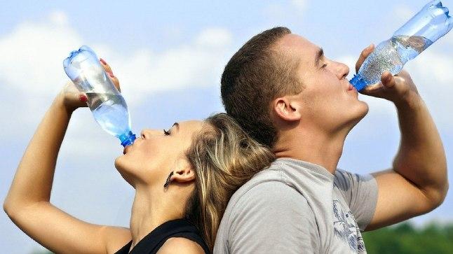 Trenni ajal tundub vee joomine hädavajalik, aga pigem väldi seda.
