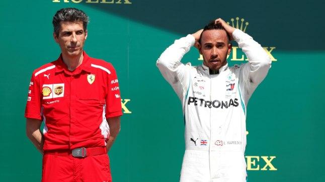 Lewis Hamilton (paremal).