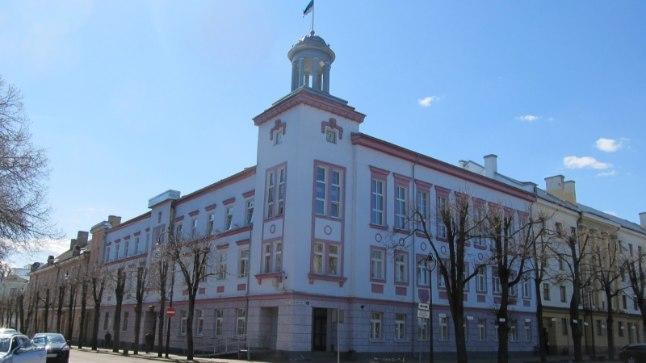 Narva linnavalitsuse hoone Peetri platsil