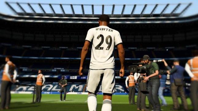 """Virtuaalse palluri Alex Hunteri teekond algas mängus """"FIFA 17"""", mis esmakordselt sisaldas narratiiviga üksikmängu."""