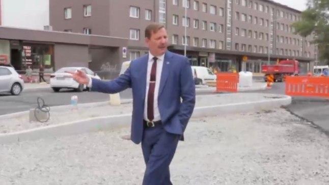 ÕL VIDEO | Linnapea Taavi Aas tuli õue ja vaatles üles kaevatud Tallinna tänavaid