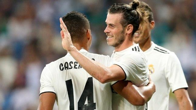 Tallinnas on kohal Madridi Reali staar Gareth Bale (keskel).