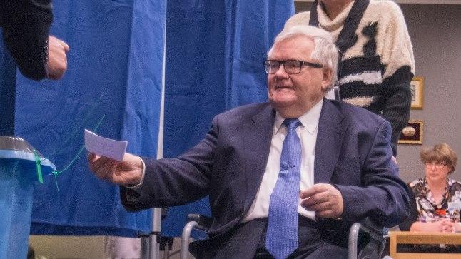 Edgar Savisaar möödunud aasta novembris Tallinna linnavolikogu istungil.