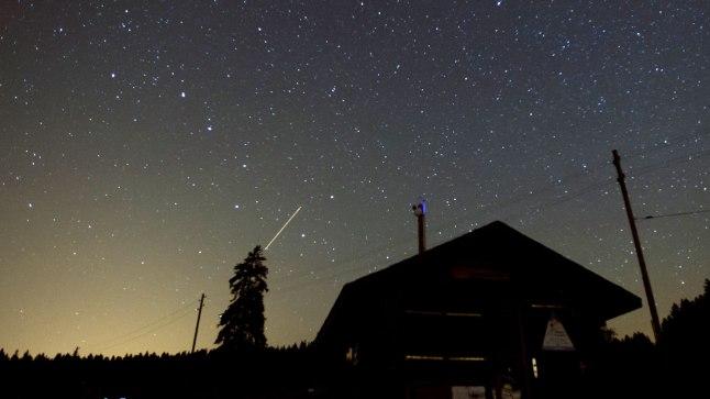 Langevad tähed ehk perseiidide sadu Šveitsis 5. augustil.