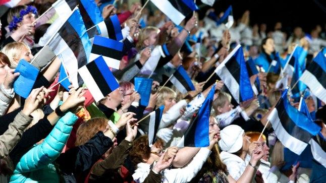 Öölaulupidu Eesti 95. aastapäeval Tartus.