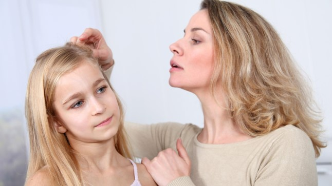 Parim ja kiireim viis avastada täis on kontrollida lapse pead vähemalt kord nädalas.