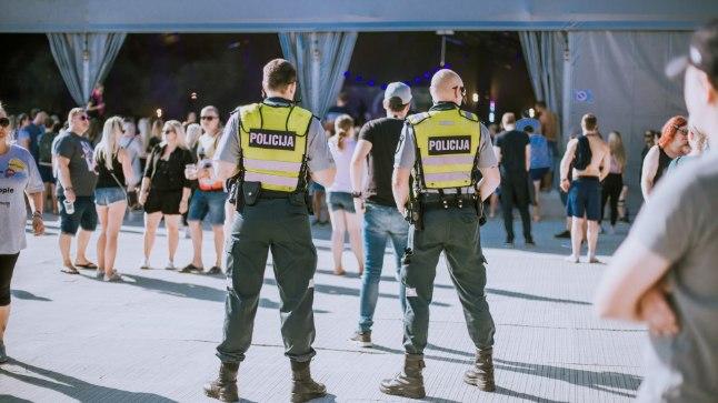 Naaberriigist appi tulnud politseinikud festivali teisel päeval.