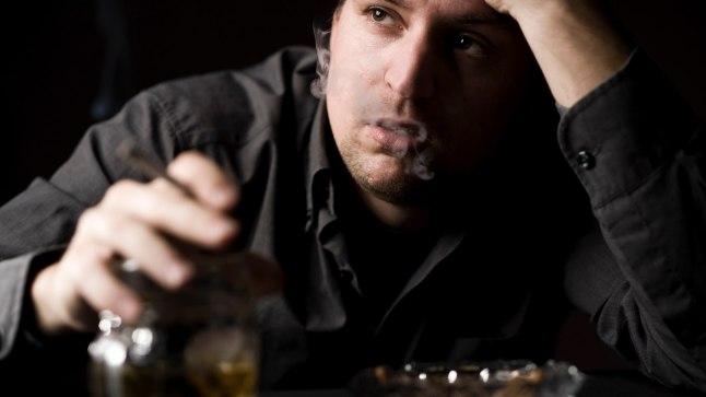Mehed, kes joovad end sageli purju, kannatavad 2,6 korda rohkem depressiooni käes kui mõõdukad joojad.