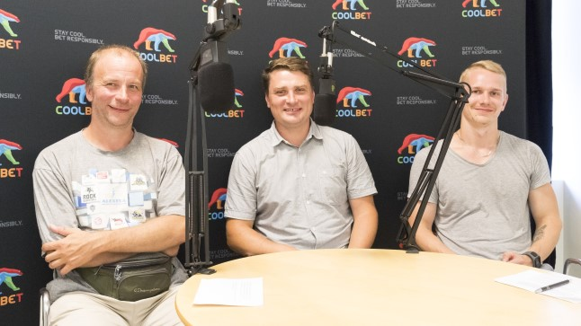 Alar Varrak (keskel) koos Õhtulehe ajakirjanike Ville Arikese (vasakul) ja Jarmo Jagomäega.