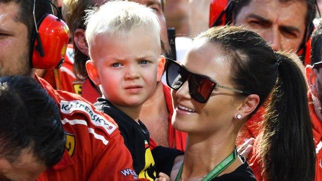 Robin koos ema Minttuga