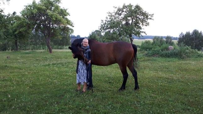 VASTASTIKUNE KIINDUMUS: Marelle on hobustega tegelenud kogu elu. Kiindumus on vastastikune.