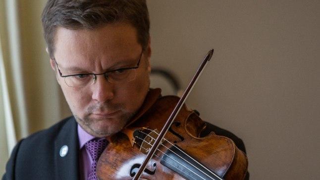 Tallinna kammerorkestri kontsertmeistri Harry Traksmanni sõnul kõlas ühiselt koostatud kava Riias hästi kokku.