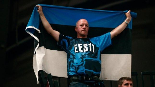 Eesti koondise fännid näevad tõsist vaeva, et meeskond finaalturniirile aidata.
