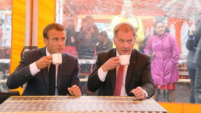 Emmanuel Macron ja Sauli Niinistö Helsinis asuvas välikohvikus