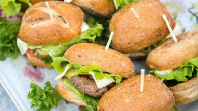 Suveõhtuks sobivad miniburgerid