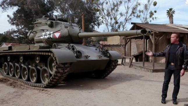 Arnold Schwarzenegger ja tema isiklik M47 tank.