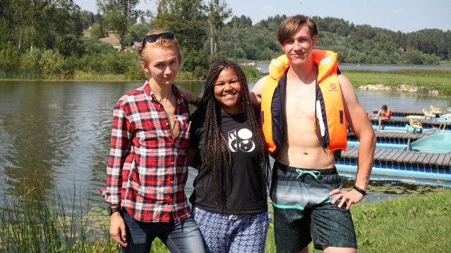 EESTLASE LEIAB IGAST SADAMAST: Laagrisse tulid teiste seas (vasakult) juhendaja staatusesse jõudnud Ungari esindaja Arpad, Lizett Inglismaalt ja Kasper Portugalist.