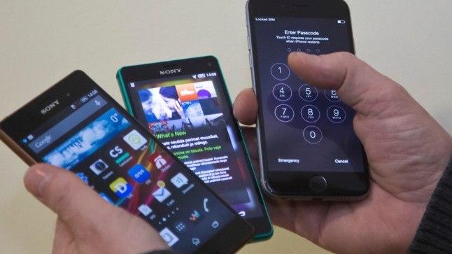 Tags: telefon, nutitelefon, mobiil