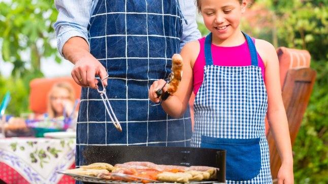 Liha tuleb grillimisel korralikult läbi küpsetada.