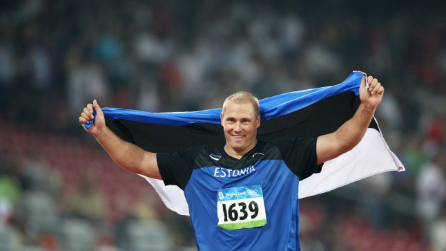 Gerd Kanter pärast Pekingi olümpiamängude triumfi.