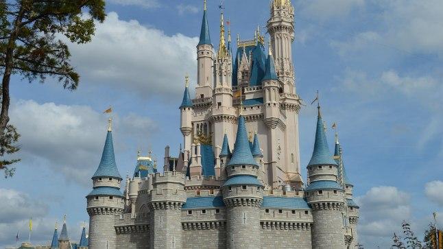 Tuhkatriinu loss Disney Worldis: palju klaasriiet ja epoksüüdvaiku.