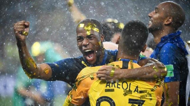 Prantsusmaa MM-tiitlit tähistamas.