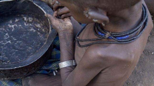 3aastane nälga kannatav Uganda poiss