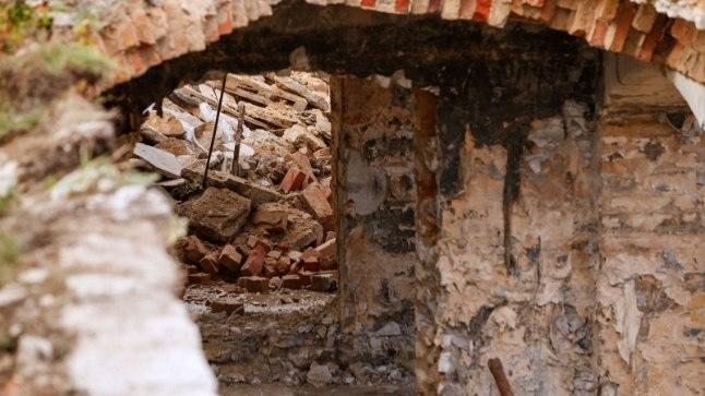 SAATUSLIK VARING: Tammsaare pargis toimus varing veidi enne kella 17, ent kiviklibu alla jäänud mehe surnukeha oli mattunud niivõrd sügavale, et päästjatel õnnestus see välja tuua alles kella 19.30 ajal.