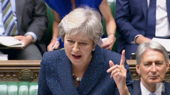Theresa May kolmapäeval Briti parlamendis saadikute küsimustele vastamas.