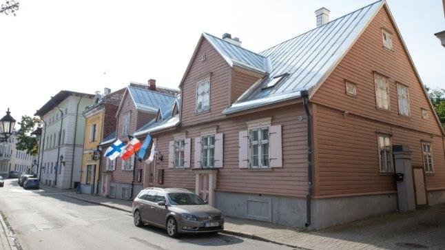 TAVALISELT LIPUEHTES: Tartu Tampere majal lehvivad nii Soome, Eesti, Tartu ja Tampere lipud, praegu pole ühtegi.