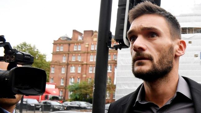 Hugo Lloris kohtusse saabumas.