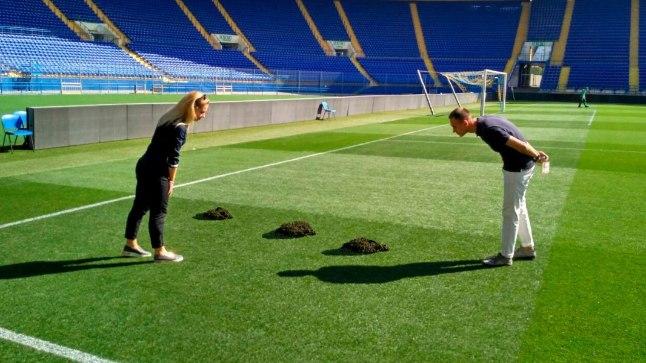 Mullahunnikud Harkivi staadionil.