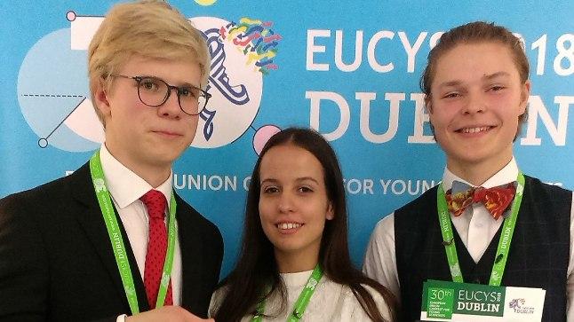 Fotol vasakult: Martti Vanker, Emilia Rozenkron, Karl Hendrik Tamkivi