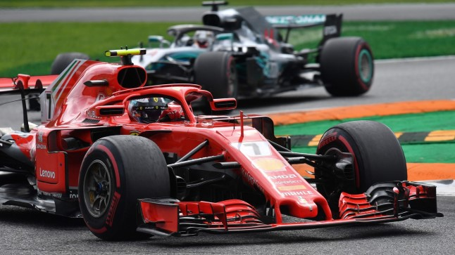Siin püsis Räikkönen veel Hamiltoni ees.