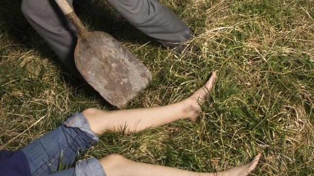 Mõrva varjamine laiba matmisega. Foto on illustratiivne.