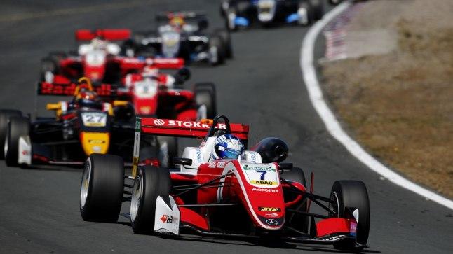 VIDEO | Schumacher jätkab domineerimist, Aron veeres üle finišijoone viimasena