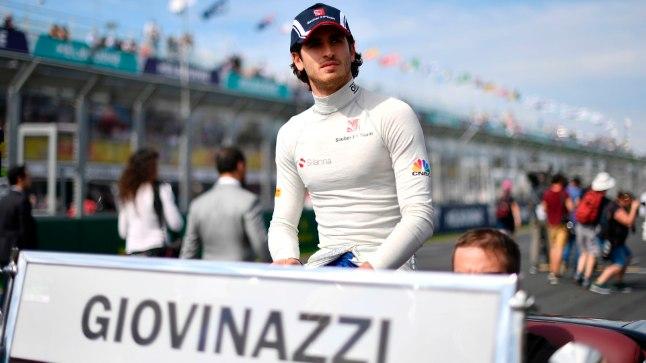 Kimi Räikkönen saab endale 14 aastat noorema tiimikaaslase!