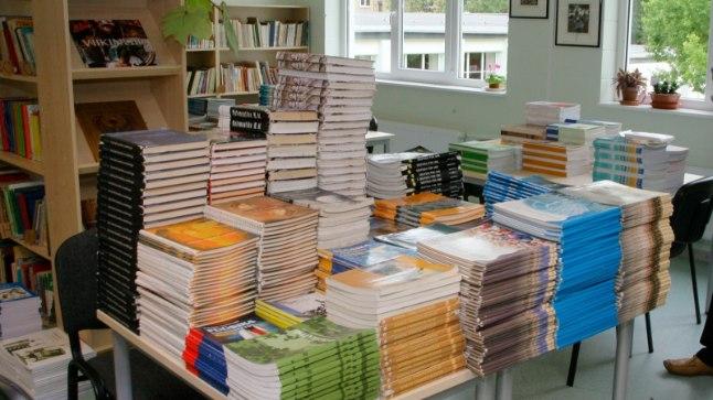 PEAVALU: No miks peab matemaatika õpik olema 28,5cm, aga eesti keel 29cm?