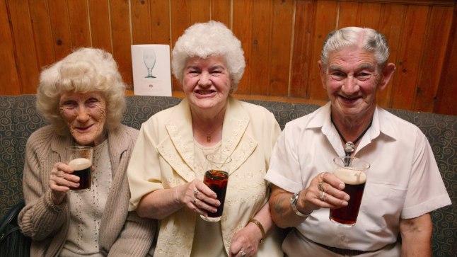 Pensionärid joovad aina sagedamini ja rohkem.