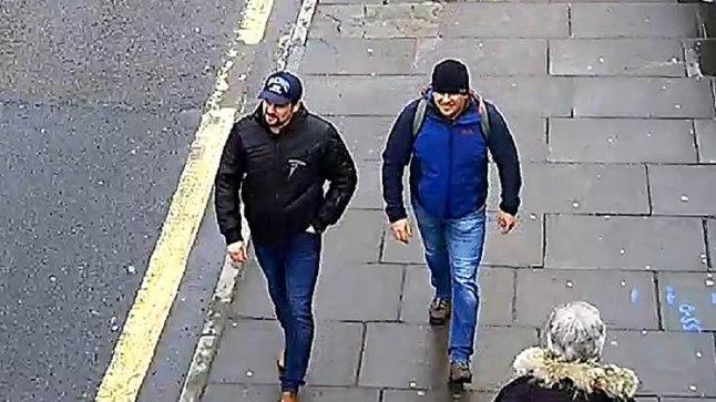 TAGASITEEL: Ruslan Boširov ja Aleksandr Petrov 4. märtsil tagasiteel Salisbury raudteejaama pärast mürgi pihustamist Sergei Skripali kodumaja uksele.