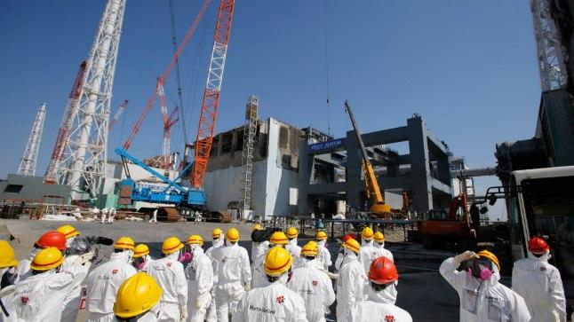"""В 2011 году атомная электростанция """"Фукусима-1"""" серьезно пострадала в результате мощного землетрясения и цунами у берегов Японии. Тогда были повреждены системы охлаждения реакторов, и это привело к выбросу радиоактивных материалов."""