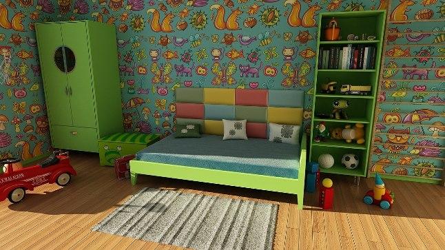 """При выборе мебели в детскую комнату дизайнер советует руководствоваться принципом """"Чем меньше, тем лучше""""."""