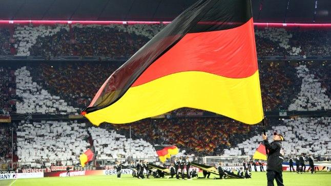 MMil põrunud Saksamaa avas Rahvuste liiga eile kodus maailmameistri Prantsusmaa vastu, tulemuseks 0:0 viik.