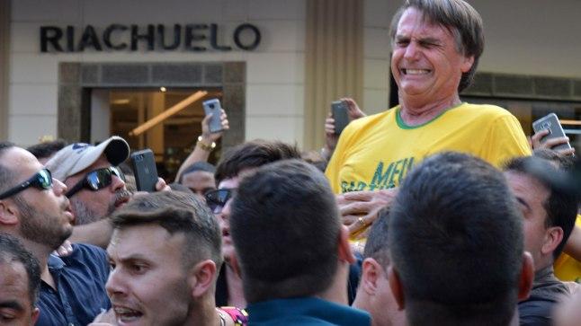 Jair Bolsonaro vaid hetk pärast pussitamist