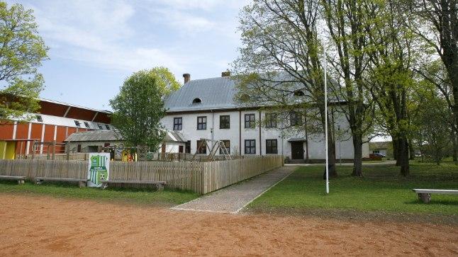 KOOL TULEB TEISEL VALLAL ÜLE VÕTTA: Kui Ambla liitub Tapa vallaga, muutub ka sealne kool Tapa valla asutuseks.