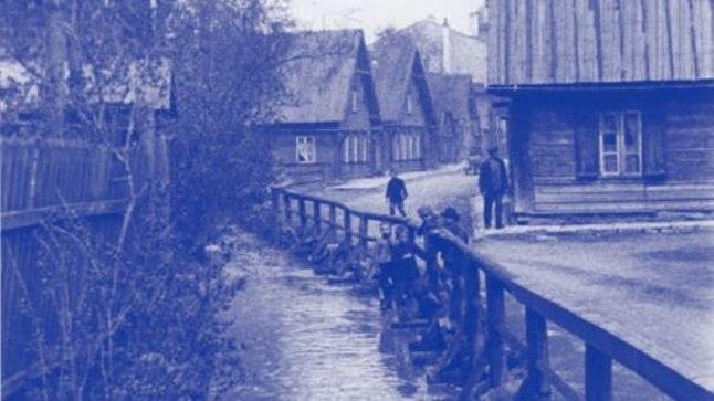 Piki Kompasna tänavat kulgenud Härjapea jõgi 1930. aastatel.