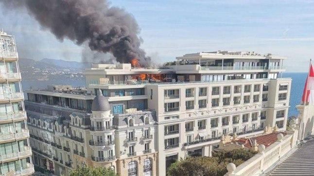 Monacos põleb legendaarne luksushotell