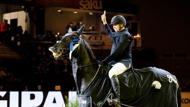 Eestlased saavutasid Horse Show teise päeva põhisõidus kolmikvõidu