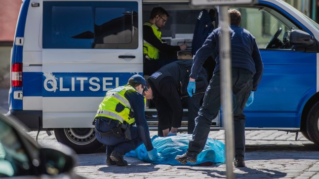 Politsei | Matusebüroos kuhja laotud laipade pildid on küll häirivad, kuid sekkumiseks alust pole