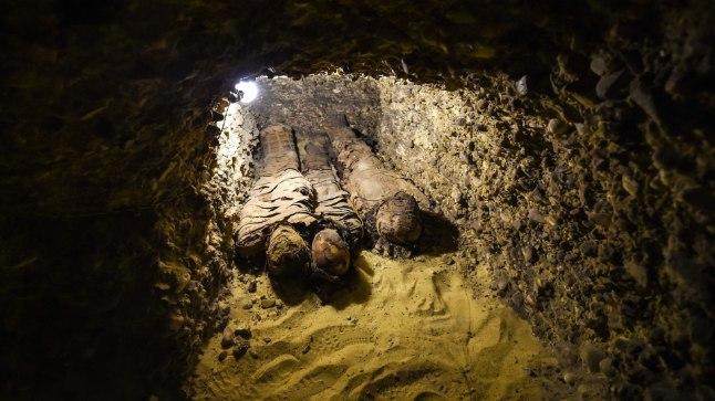 FOTOD | Egiptuse hauakambrist avastati 40 muumiat